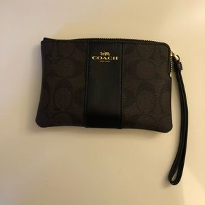 Brand new, never used Coach wristlet